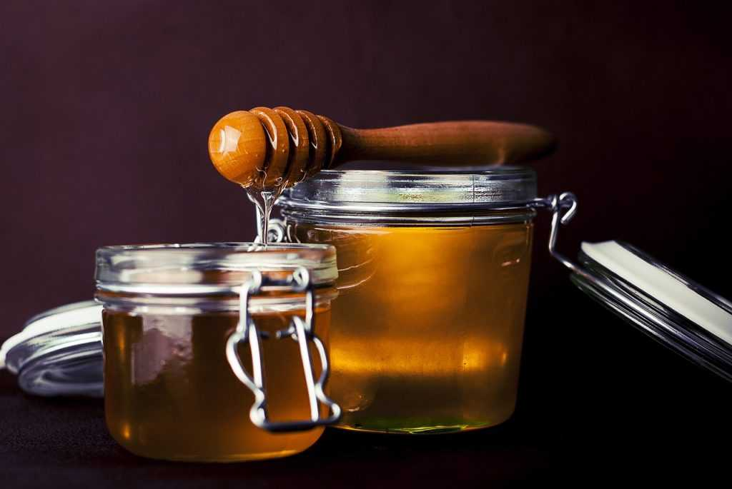 honey, jar, honey dipper-823614.jpg